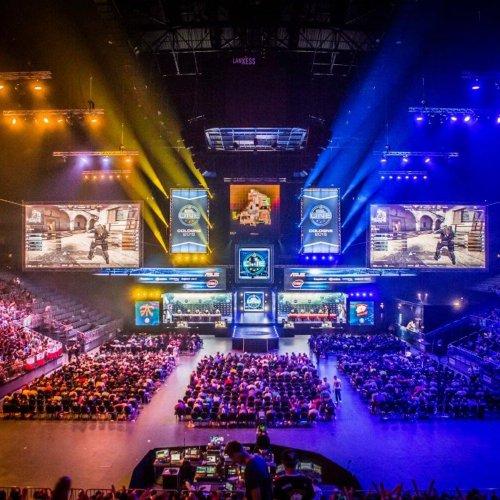 E-sport przyciąga coraz więcej graczy i widzów